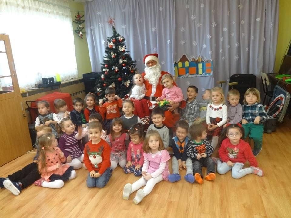 Дядо Коледа пристигна в детската градина