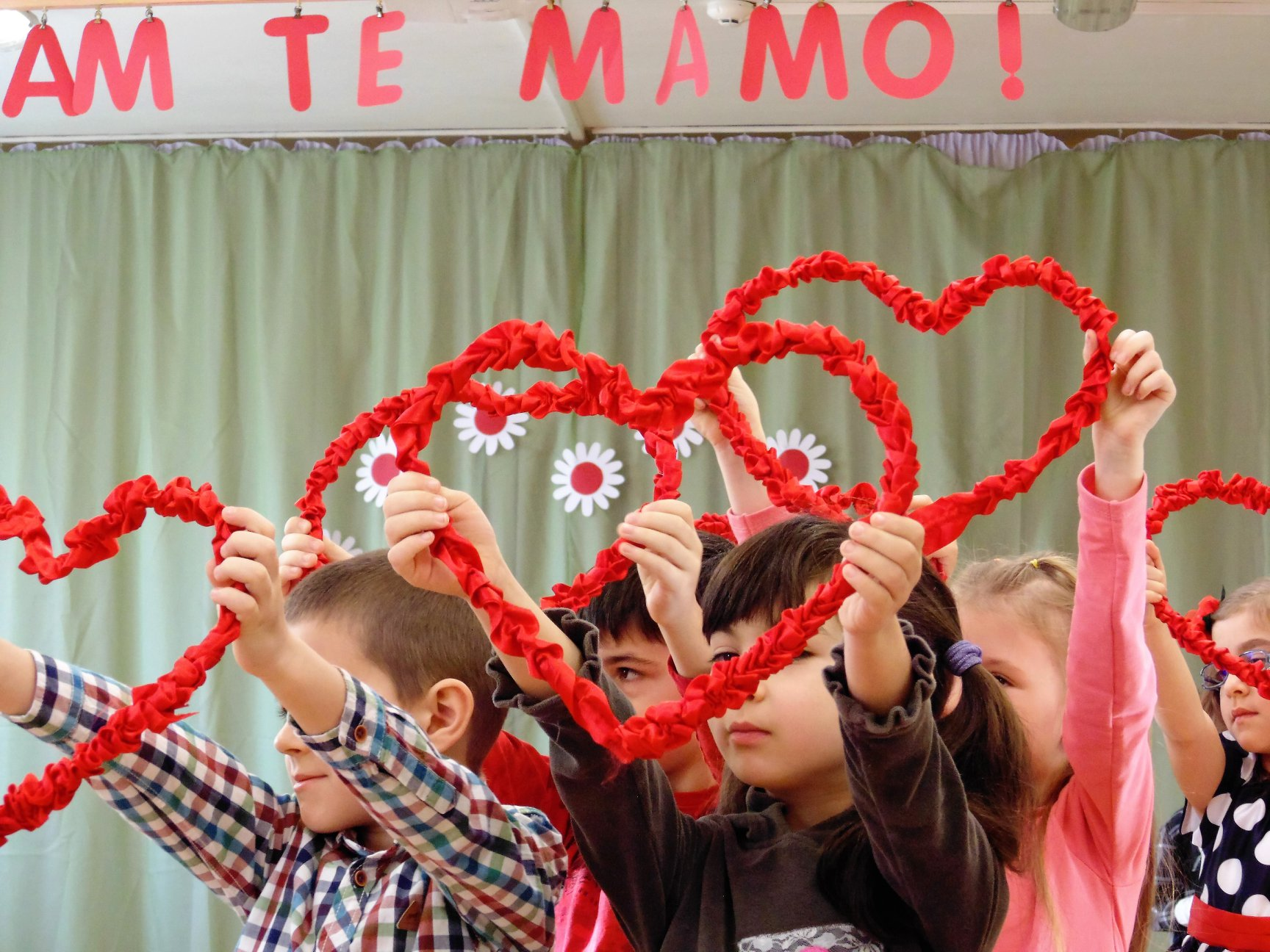 "Обичам те Мамо ! 8- ми март- тържество ПГ (6г.) група ""Калинка"""